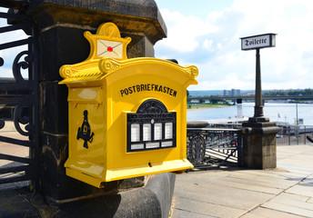 Alter Briefkasten - Postkasten