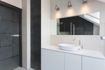Urban apartment - bath counter