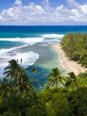 カウアイ島のケエビーチ