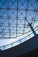 建物のガラス天井