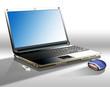 Büroplatz mit Laptop, Mouse und USB-Stick