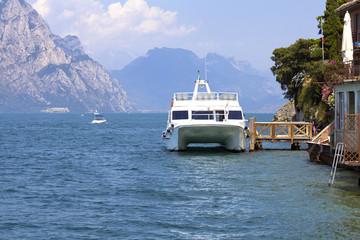 Lago di Garda summer view color image