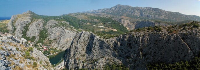 look to the mountains above town Omis