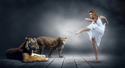 Dancer in posing and tygr