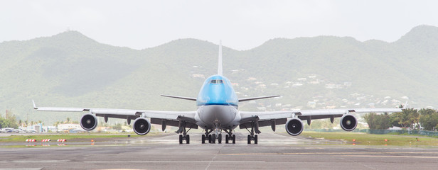 ST MARTIN, ANTILLES - JULY 19, 2013: Boeing 747 aircraft on ther