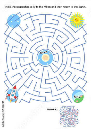 Maze game for kids - spaceship Moon flight