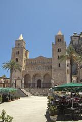 Cefalu main square