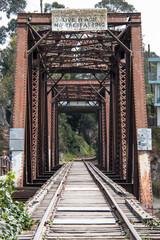 Rostige Eisenbahnbrücke