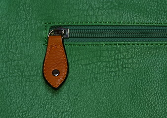 zip the bag