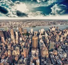 Magnifique coucher de soleil sur Gratte-ciel de Manhattan - New York Cit