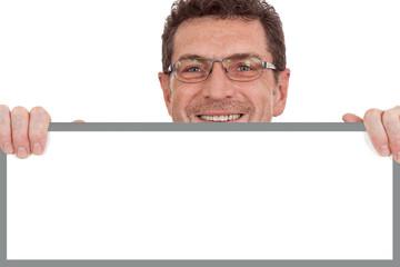 erwachsener geschäftsmann lachend textfreiraum plakat