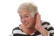 Schwerhoerige Seniorin
