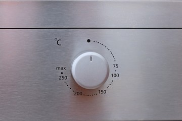 Oven regulator of temperature