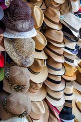 présentation de chapeaux et panamas