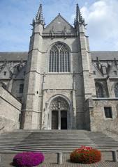 st wadrua church mons belgium