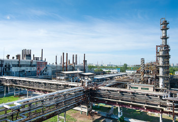 a refinery photos in a sunny day
