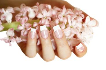 Fingernägel mit rosa Hyazinthe