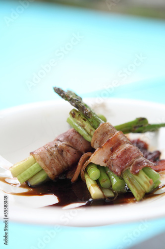 bacon warpped asparagus