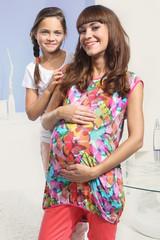 Radość kobiety w ciąży