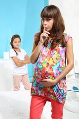 Córka zazdrosna o nowe dziecko.
