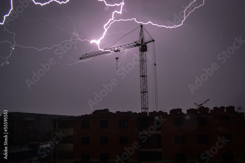 Молния над городом - 55595553