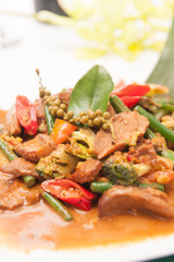 RED CURRY WITH GRILL DUCK AND THAI HERB