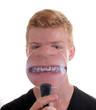 Zahnspange unter der Lupe