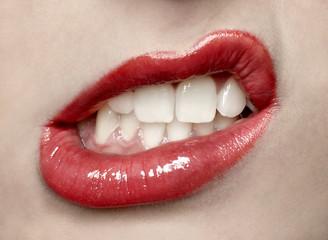 Grimasse mit dem Mund