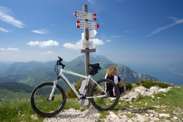 e-bike, pedelec, women, fahrrad, mountainbike, berge