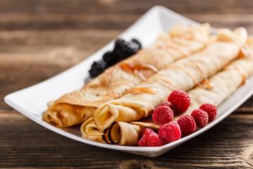 Roll pancakes