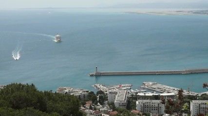 Timelapse - cruise ship moving to harbor.
