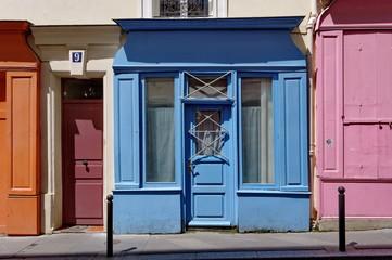 Vielle boutique bleue.