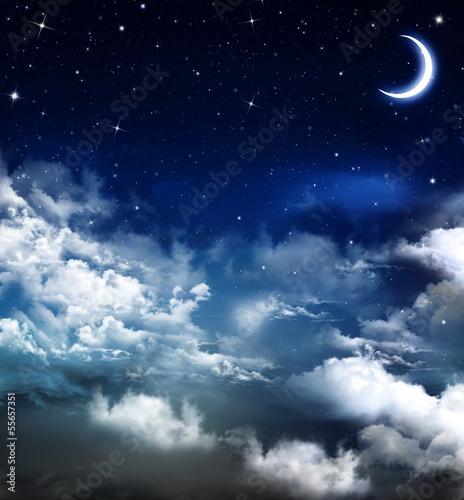 nocne-niebo-z-ksiezycem