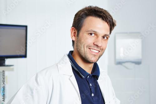 Poster Portrait vom Arzt im Kittel