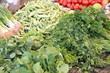 Kräuter und Gemüse auf dem Markt