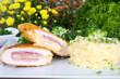 Kartoffelstampf mit Hähnchen Cordonbleu und Brokkoligratin