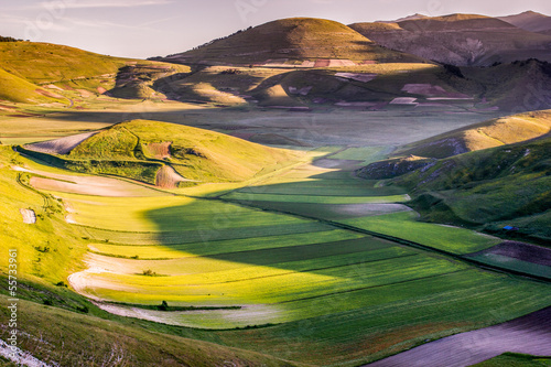 Colline e valle in Umbria, Italia