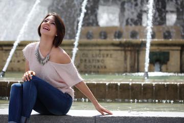 ragazza alla fontana