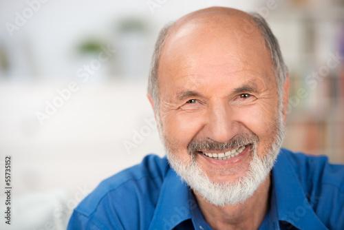 canvas print picture lächelnder älterer mann