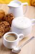 Biscotti al cioccolato con caffè e cappuccino