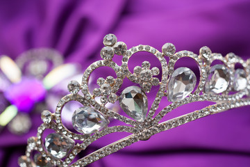 Jewels and crown, put on the wedding