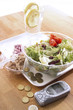 Salat auf KunststoffTeller
