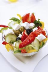 Griechischer Salat mit Pepperoni