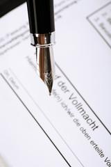 Signieren einer Genehmigung, Nahaufnahme