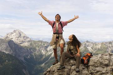 Österreich, Salzburger Land, Paar, Jubel