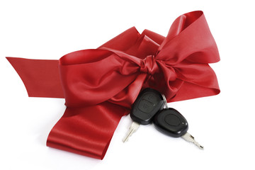 Autoschlüssel mit roter Schleife, Nahaufnahme