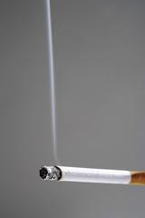Brennende Zigarette, Nahaufnahme