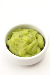 Wasabi - grüne Meerrettichpaste, traditionelle japanische Küche