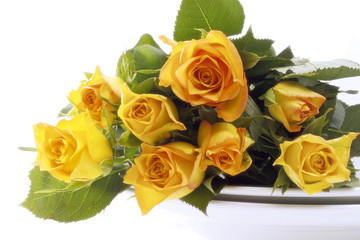 Strauss aus gelben Rosen