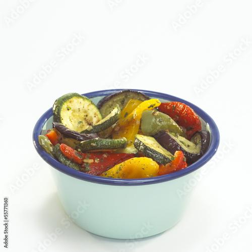 Antipasti, Schüssel mit eingelegtem Gemüse, Nahaufnahme